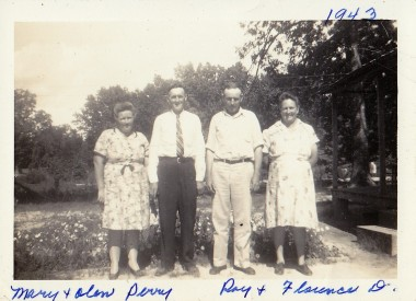 Photo: Mary and Olen Perry and Ray and Florence Dawson. 1943